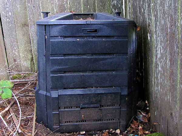 picture of a compost bin