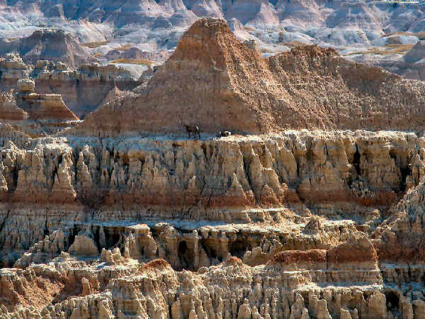 picture of a mountain in Badlands National Park in North Dakota