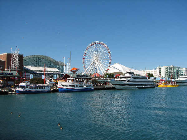 picture of the Chicago Navy Pier